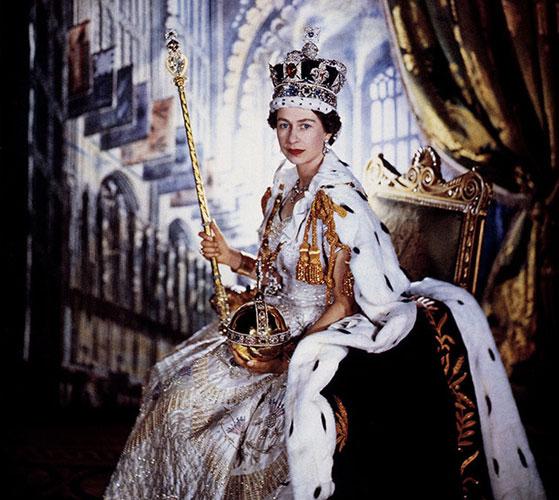 「イギリス王室 エリザベス女王の王笏」の画像検索結果